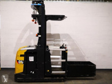 Caterpillar medium lift order picker