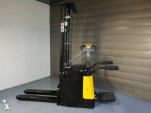 Blachdeker high lift order picker