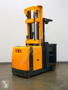 Jungheinrich medium lift order picker