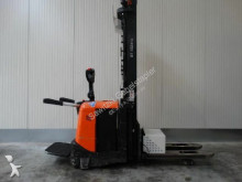 chariot à mât rétractable BT SPE160L - Initialhub - Triplex
