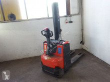 BT SWE 080 L Batterie 09/2019 reach truck