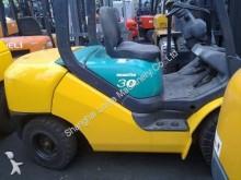 wózek z wysuwanym masztem Komatsu FD30