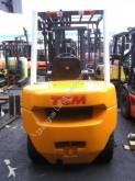wózek z wysuwanym masztem TCM FD30
