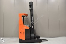 Prohlédnout fotografie Vozík s výsuvným zdvihacím zařízením BT RRE 160 /23321/