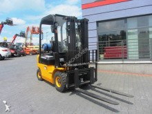 Nissan Blachdeker FG188 TRIPLEX Side shift