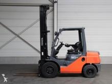 wózek podnośnikowy Toyota