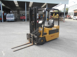 Caterpillar f35 Forklift