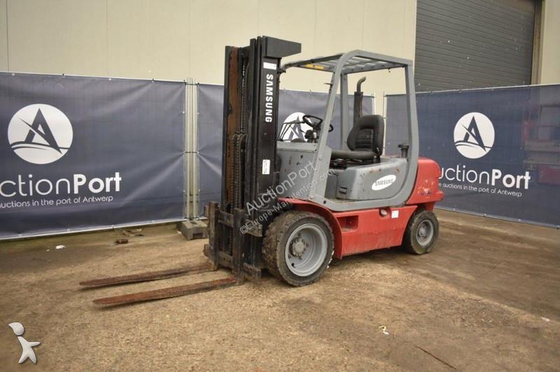 Chariot élévateur Samsung SF-30 Diesel 2350 kg