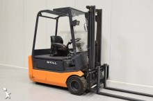 Still electric forklift