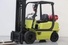Clark CMP25L Forklift