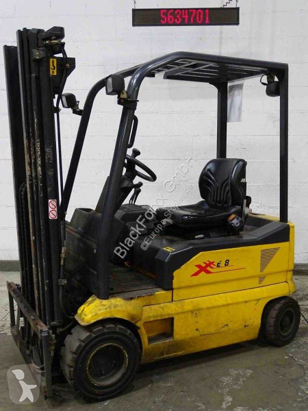 View images OM XE18 Forklift