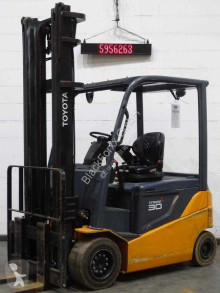 Toyota 8fbmkt30 Forklift
