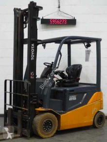 Toyota 8fbmkt25 Forklift