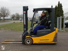 chariot élévateur Jungheinrich EFG216
