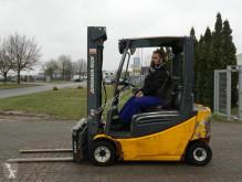 chariot élévateur Jungheinrich EFG320