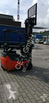 wózek podnośnikowy Toyota 7FBEST13 // 533 Std. / Seitenschieber / 3. Ventil / HH 6.500 mm / FH 2.300 mm / Triplex