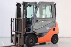 chariot élévateur Toyota 02-8FDF15