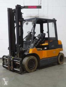 Toyota 7fbmf40 Forklift