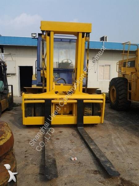 Komatsu FD100 Forklift