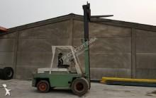 Voir les photos Chariot élévateur Salev 4.5 ton