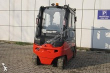 Linde lorry mounted forklift
