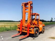 chariot tout terrain Kalmar LT 8-600 LKWózek widłowy KALMAR LT 8-600 LK 8 ton udźwig 12 ton - rok prod. 1978 - widły rozsuwane - pozycjometr wideł - udźwig 8 ton (max. 12 ton) - waga: 14.200kg - silnik, skrzynia biegów, hydraulika działa bez zarzutu - wysokośc podnoszenia: 4700mm Niniejsze ogłoszenie jest wyłącznie informacją handlową i nie stanowi oferty w myśl art. 66, § 1. Kodeksu Cywilnego. Sprzedający nie odpowiada za ewentualne błędy lub nieaktualność ogłoszenia.Wózek widłowy KALMAR LT 8-600 LK 8 ton udźwig 12 ton - rok prod. 1978 - widły rozsuwane - pozycjometr wideł - udźwig 8 ton (max. 12 ton) - waga: 14.200kg - silnik, skrzynia biegów, hydraulika działa bez zarzutu - wysokośc podnoszenia: 4700mm Niniejsze ogłoszenie jest wyłącznie informacją handlową i nie stanowi oferty w myśl art. 66, § 1. Kodeksu Cywilnego. Sprzedający nie odpowiada za ewentualne błędy lub nieaktualność ogłoszenia.