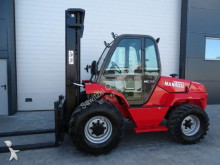 carretilla todoterreno Manitou MC50 Powershift