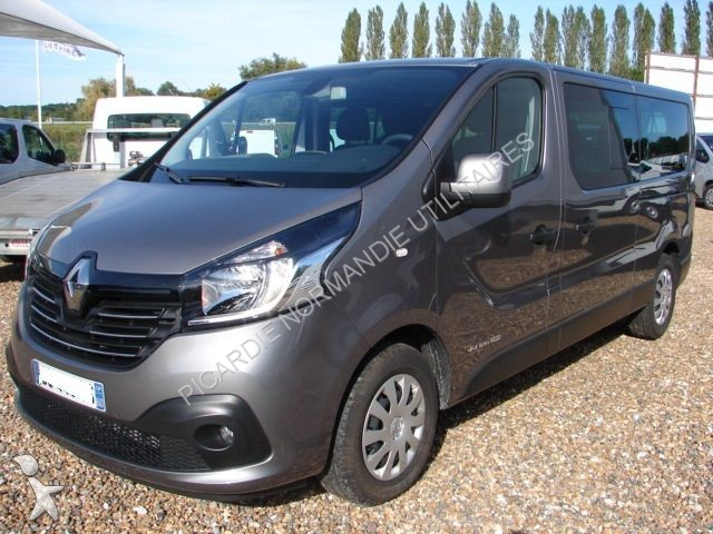 minibus renault trafic combi l2h1 1 6 dci 120 intens 9 places gazoil occasion n 1356618. Black Bedroom Furniture Sets. Home Design Ideas