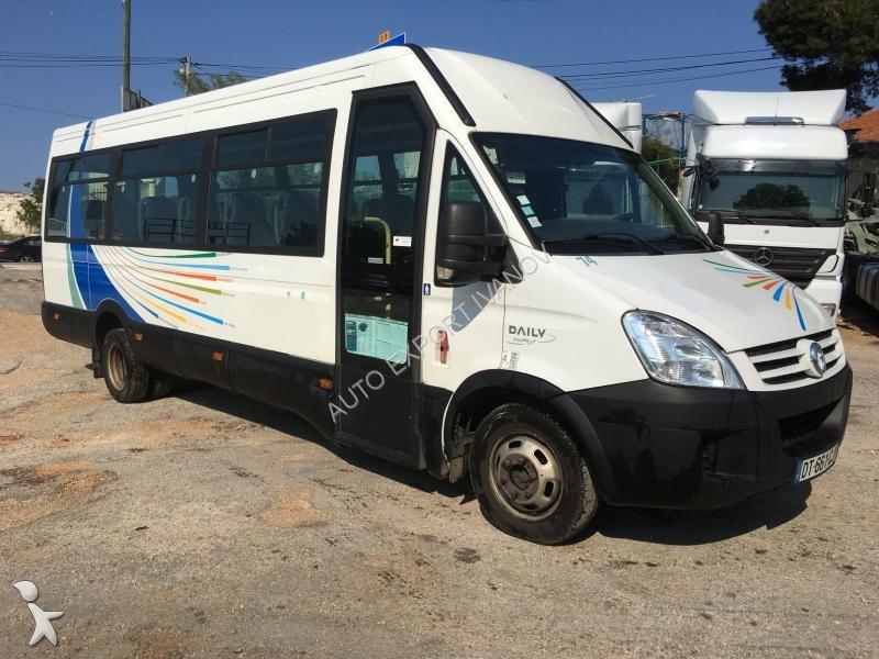 minibus iveco 28 annonces de minibus iveco d 39 occasion en vente. Black Bedroom Furniture Sets. Home Design Ideas