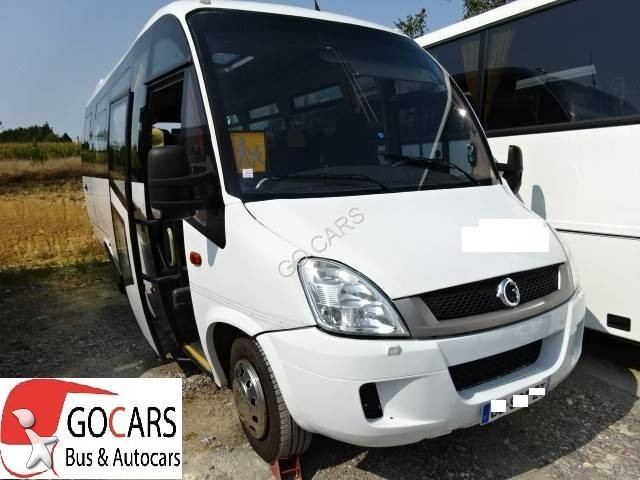 minibus occasion 176 annonces de minibus mini bus d 39 occasion vendre. Black Bedroom Furniture Sets. Home Design Ideas