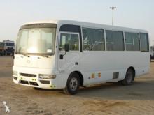 minibús Nissan