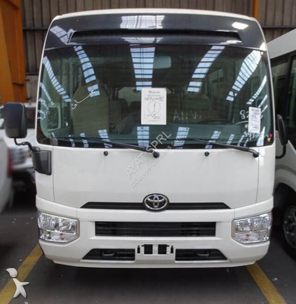 Autobús Toyota 4.2L DIESEL 22 SEATER HIGH ROOF