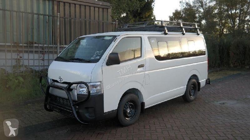 Bekijk foto's Autobus Toyota 3.0