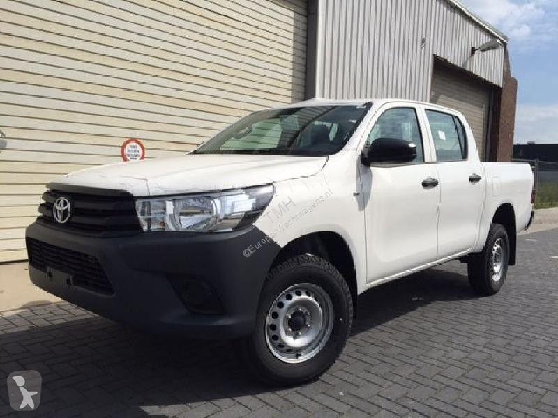 View images Toyota Hilux 3.0 van