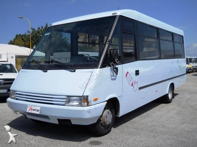 Camioneta Iveco daily minibus 25 posti