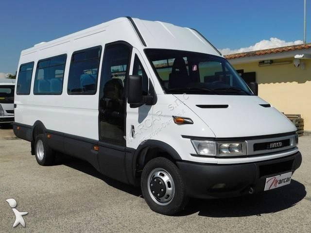 Camioneta Iveco minibus 21 posti