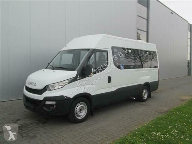 Voir les photos Autobus Iveco DAILY 35S130 9 SEAT WHEELCHAIR