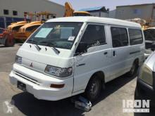 minibús Mitsubishi
