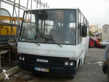 minibus Nissan