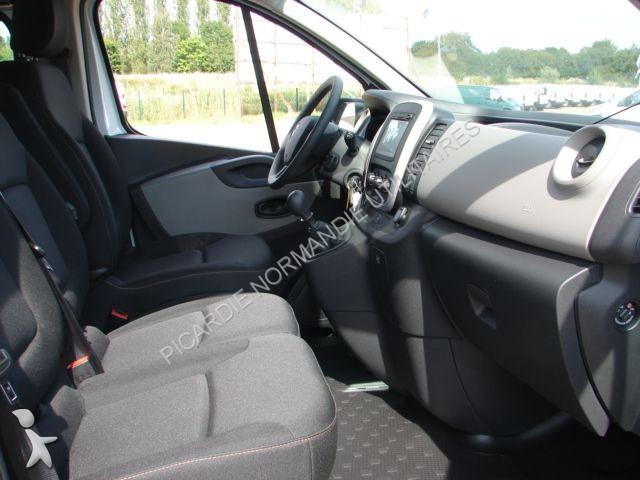minibus renault trafic combi l2h1 1 6 dci 120 zen 9 places gazoil occasion n 1356609. Black Bedroom Furniture Sets. Home Design Ideas