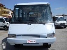 Vedere le foto Pullman Iveco daily minibus 25 posti