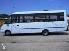 Ver as fotos Camioneta Iveco daily minibus 25 posti