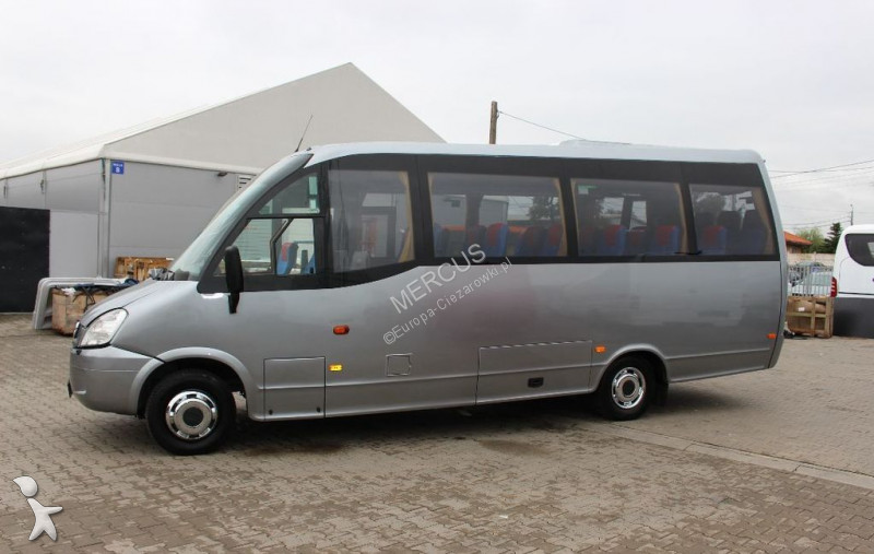 minibus iveco wing gazoil occasion n 2339163. Black Bedroom Furniture Sets. Home Design Ideas