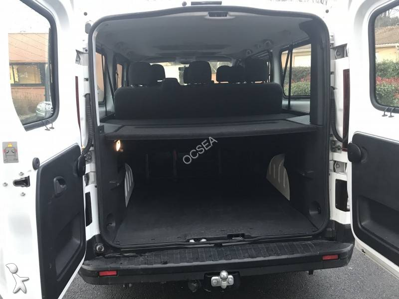 minibus renault trafic combi zen 9 places gazoil euro 6 occasion n 2469270. Black Bedroom Furniture Sets. Home Design Ideas