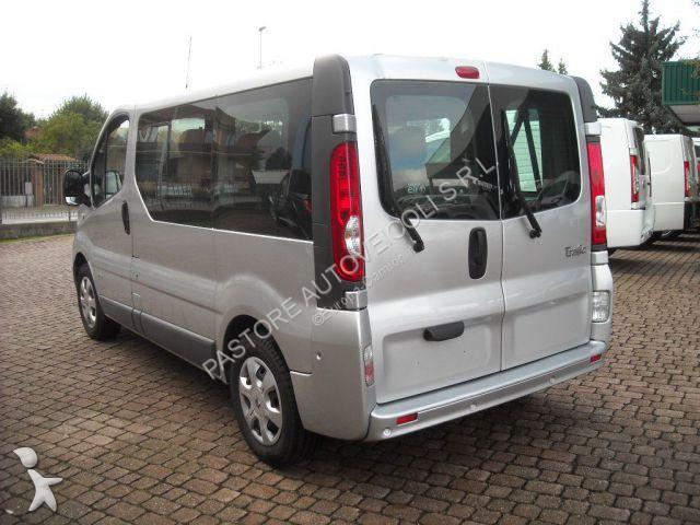 minibus renault trafic passenger expression gazoil euro 5 occasion n 2845514. Black Bedroom Furniture Sets. Home Design Ideas