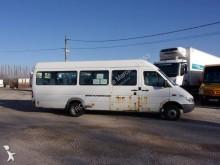 Voir les photos Autobus Mercedes 413 DLA