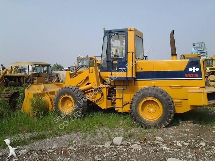 Komatsu WA300 loader