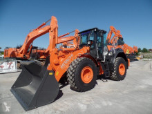 Hitachi ZW220-6 loader