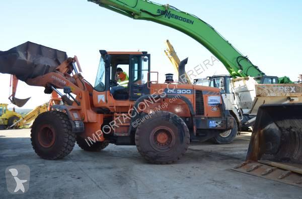 View images Doosan DL300 loader