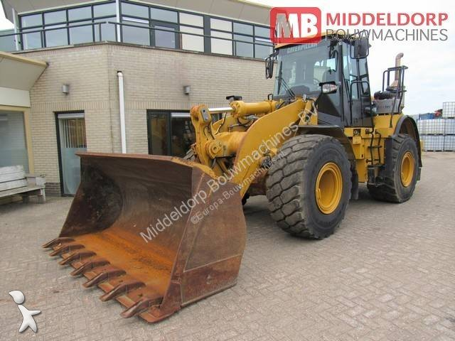 Caterpillar loader